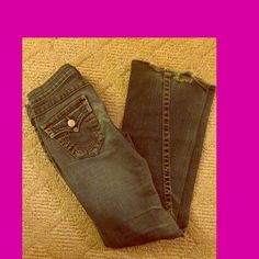 True Religion jeans size 26 Beautiful size 26 True Religion boot cut jeans in amazing condition. A little fraying at the bottom True Religion Jeans Boot Cut