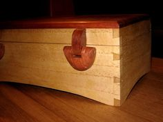 Making wooden hinges Router Plane, Wooden Hinges, Jewelry Box Plans, Box Maker, Woodworking Techniques, Wood Boxes, Hope Chest, Hardwood, Woodworking