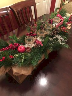 Burlap Christmas decorations are ideal for a Rustic Christmas decor or Farmhouse Christmas decor which is cozy & cute. Best Burlap Christmas ideas are here. Burlap Christmas Decorations, Wooden Box Centerpiece, Christmas Table Centerpieces, Beautiful Christmas Decorations, Farmhouse Christmas Decor, Centerpiece Decorations, Decoration Table, Rustic Christmas, Christmas Home