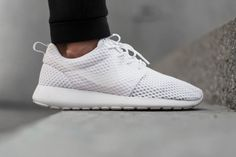 Nike Roshe | Minimal + Chic | @codeplusform
