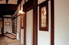 アトリエ優 一級建築士事務所 の クラシカルな 壁&床 ステンドグラス