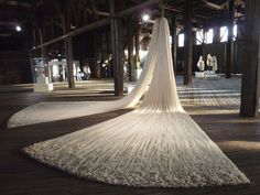 Textile artist Angela Wright. WOOL INSTALLATION (ver 4). angelagwright.co.uk