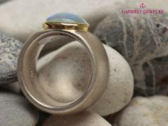 Silberring mit äthiopischen Opal von Schmuckbotschaften auf DaWanda.com