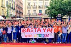 Gaypitalismo y repunte de agresiones homófobas Shangay Lily   Palabra de Artivista, Público, 2015-04-29 http://blogs.publico.es/shangaylily/2015/04/29/gaypitalismo-y-repunte-de-agresiones-homofobas/
