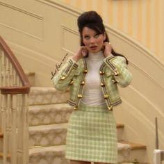 El mágico universo de la Nana Fine estaba repleto de Moschino, Todd Oldham, Versace… todo con un sueldo de niñera de los 90.