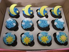 Meteorologist cupcakes...can i have these for graduation?