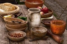 medieval food cooking table dinner utensils eating recipes kitchen viking pottery middle feast ages tavern banquet plates earthenware bowls cookery