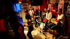 PAGODE DO JAMBO en BRAZIL TIME à la CASA LATINA 4 ( Bordeaux 01-11-2013) BRAZIL TIME à la CASA LATINA ( bordeaux)  21H00 BAL BRESILIEN !!!!!! minuit TAÏNOS TIME !!!!!!  CASA LATINA devient pour la soirée CASA DO BRAZIL ! avec les musiciens du groupe PAGODE DO JAMBO ! La voix et la danse sont à l'honneur comme dans la plupart des musiques brésiliennes. !  PAGODE DO JAMBO, c'est 5,6 musiciens passionnés par leur pays et leurs traditions !!