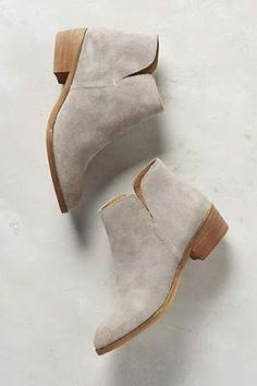 Shoe Obsession // Neutral ankle booties.