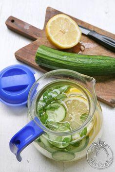 Acqua detox cetriolo limone e menta da mettere in frigo