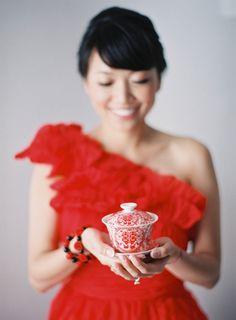 Natural + Organic Santorini Wedding: http://www.stylemepretty.com/2015/10/13/natural-organic-santorini-wedding-pre-wedding-shoot/ | Photography: Jen Huang - http://jenhuangphoto.com/
