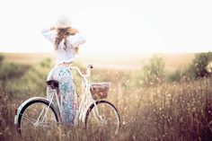 girl bicycle  photoshoot photosession model french romance romantic