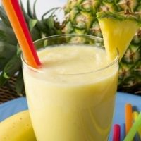 Acid Reflux Diet - Pineapple and Banana Energy Smoothie  - a delicious smoothie that will charge your morning!