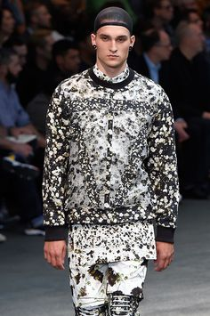 Givenchy - masterful mix of floral prints