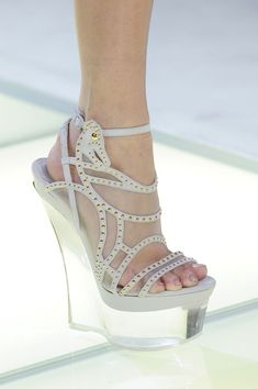 Versace Spring 2012 Runway Pictures - Livingly