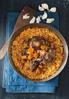 Ουρά με κριθαράκι Pot Roast, Paella, Chili, Soup, Meat, Ethnic Recipes, Greek, Autumn, Winter
