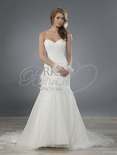 Alfred Angelo Bridal Fall 2014- Style 2481