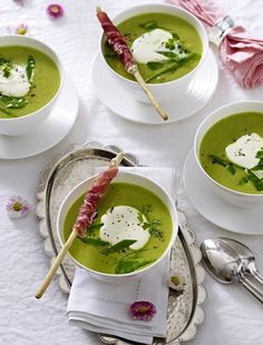 Our popular recipe for Great Family Feast / Pea Cream Soup and over more free recipes on LECKER.de, The post Big family party / fine pea cream soup appeared first on Woman Casual. Soup Appetizers, Appetizer Recipes, Snack Recipes, Healthy Recipes, Free Recipes, Snacks, Simple Appetizers, Appetizer Party, Delicious Appetizers