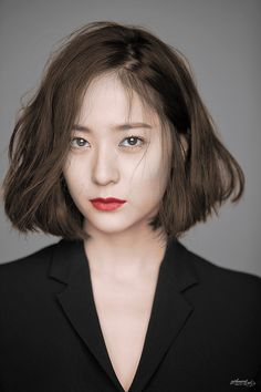 Krystal - f(x) Hair Inspo, Hair Inspiration, Medium Hair Styles, Curly Hair Styles, Krystal Jung Fashion, Shot Hair Styles, Short Hair Cuts, Korean Short Hair Bob, Iu Short Hair
