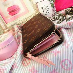 Louis Vuitton monogram wallet in Rose ballerine