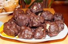 Truffles, Food And Drink, Tasty, Beef, Ethnic Recipes, Candy, Meat, Truffle, Steak