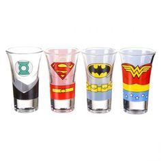 Des shooters Justice League, pour se prendre une cuite avec nos copains Green Lantern, Batman, Superman et Wonder Woman !