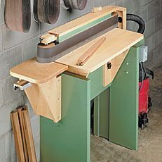 This shop-built edge sander makes quick work of tough sanding jobs. Woodworking Workbench, Woodworking Crafts, Woodworking Projects, Woodworking Jigsaw, Workbench Plans, Diy Shops, Easy Wood Projects, Diy Workshop, Homemade Tools