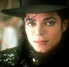 ❤There was a time when music lived and joy was in my soul. And then one day it disappeared because he was called home. I miss you Mike you know it's true. I think of you all the time. One day we'll speak again I'm sure when I too reach the by and by.❤❤