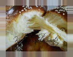 Η πιο τέλεια συνταγή για υπέροχα, τρυφερά, αφράτα, μυρωδάτα, και κορδονάτα τσουρέκια που έχετε φτιάξει ποτέ!!!! Υλικά:... Greek Desserts, Tasty, Yummy Food, Pastry Cake, Easter Recipes, Camembert Cheese, Bakery, Food And Drink, Sweets