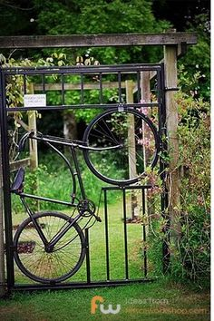 In case the neighbors don't know you are a bicycle freak (or sculptor) #bicycle #bicyleart