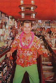 1950s Hawaiian Shirt Bartender Man Balance Trays Of Drinks Vintage Postcard