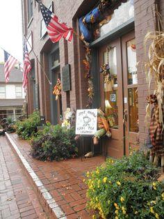 Dahlonega, GA. Halloween - Marjorie Wilde