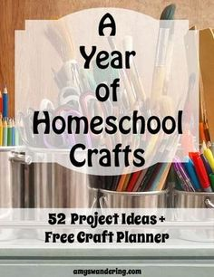 A Year of Homeschool Crafts - 52 project ideas and a free printable planner Homeschooling Ideas & Educational Activities, Tips & Life Skills Homeschool Kindergarten, Homeschool Curriculum, Online Homeschooling, Homeschooling Statistics, Catholic Homeschooling, Kindergarten Schedule, Homeschool Supplies, Curriculum Planning, Kindergarten Graduation