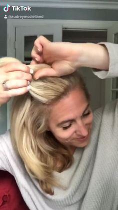 Front Hair Styles, Short Hair Styles Easy, Short Hair Updo, Medium Hair Styles, Baby Cut Hairstyle, Easy Mom Hairstyles, Cute Mom Haircuts, Hairstyles For Fall, Short Updo Hairstyles