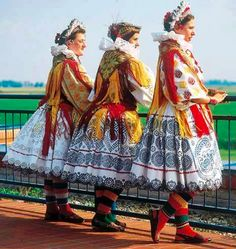 Bizovac Country Costumes, Costumes Around The World, Beautiful Costumes, Heartstrings, Folk Costume, Ethnic Fashion, Montenegro, People Around The World, Croatia