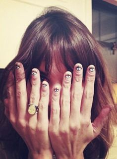Alexa Chung all seeing eyes manicure