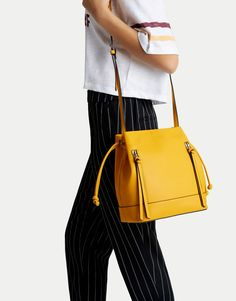 Bucket bag with zip details - Bags - Accessories - Woman - PULL&BEAR Romania