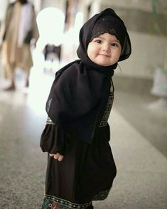 Kids Discover 34 Trendy Ideas Baby Fever Quotes Faces - Marys Secret World Cute Kids Photos, Cute Baby Girl Pictures, Cute Girls, Baby Hijab, Girl Hijab, Muslim Girls, Muslim Women, Beautiful Children, Beautiful Babies