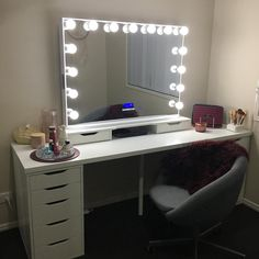 It's always nice to see our previous customers back. Sarah it looks wonderful 😊 Hollywood Mirror, Vanity, Nice, Instagram Posts, Furniture, Home Decor, Recycled Furniture, Dressing Tables, Powder Room
