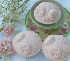 Cupcakes with House on the Hill Double Rose