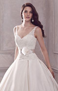 @2lifeWeddings PALOMA BLANCA  Style 4400 $$$   http://palomablanca.com/gown/4400