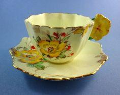 Flower-Handle-Rare-Star-Mark-Paragon-Gloire-de-Dijon-Tea-Cup-Saucer