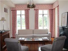 oooooo, pink window treatments, gray furniture. Love it together.