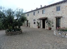 Quem nunca sonhou em passar tardes ensolaradas num agriturismo na Toscana na companhia de um bom vinho? Eu já! Foi isso que fui fazer e conto para vocês aqui!