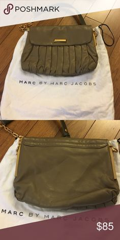 Marc by Marc Jacobs framed leather shoulder bag Like new Marc by Marc Jacobs leather shoulder bag. Cones with dust bag. 💯% authentic. Reasonable offers considered. No trades. Marc by Marc Jacobs Bags Shoulder Bags