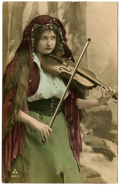Vintage Image – Lovely Gypsy with Violin