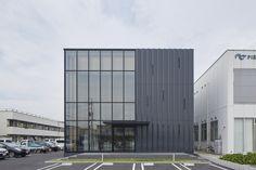 PIER THIRTY Group's Western Japan HQ Building  / Yoshihiro Kato Atelier