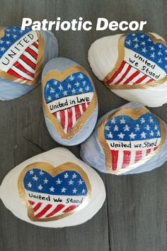 United We Stand! These hand-painted shells and stones are painted in acrylics, gold leaf, and sealed with clear varnish. Use indoors or out. Make wonderful patriotic Memorial Day or 4th of July decor, a gift for the veteran in your life, or for a patriotic person. Unique! Seashell Painting, Ocean Crafts, Painted Shells, Beach Gifts, United We Stand, Hand Painted Rocks, Patriotic Decorations, Handmade Art, Handmade Gifts