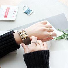 A/E/S bracelet/ acc/ jewerly/ aotd/ jotd/ fashion/ leather/