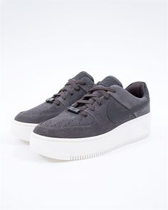 new concept e3343 7a90f Nike Wmns Air Force 1 Sage Low   AR5339-001   Svart   Sneakers   Skor    Footish